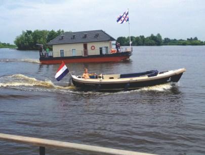 Bijzondere Overnachting Origineel Overnachten Slapen op een woonboot op het Sneekermeer7
