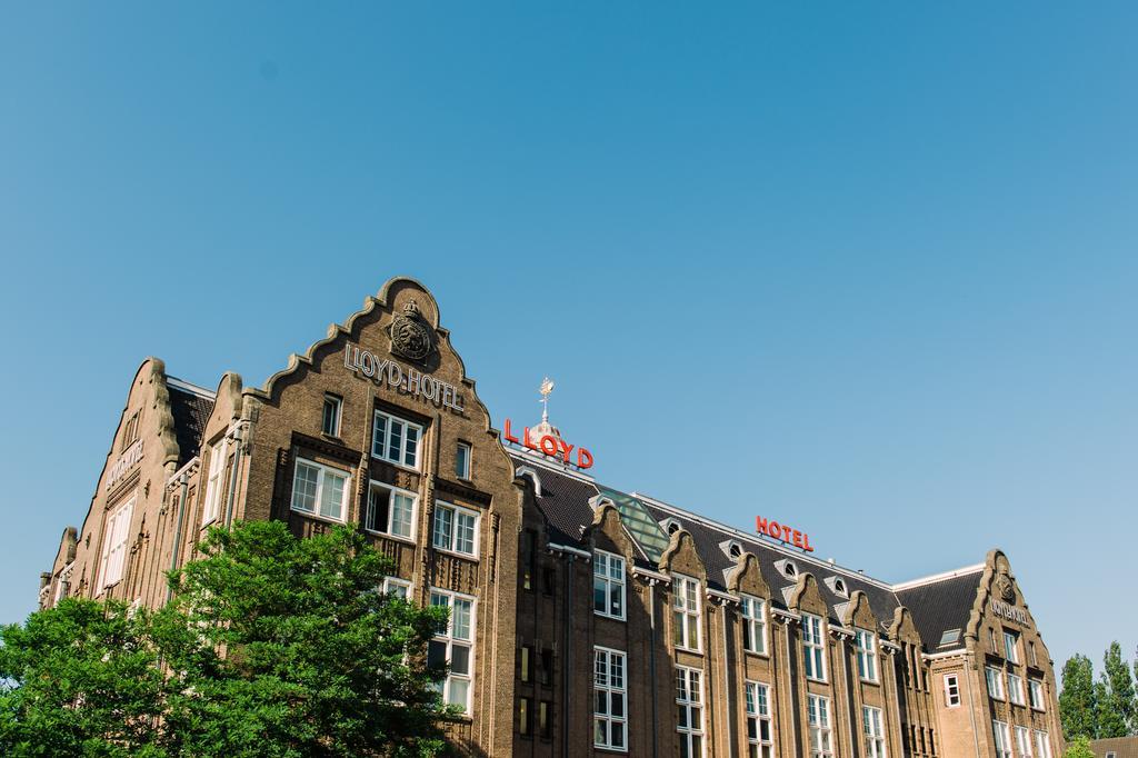 Bijzondere Overnachten Origineel Overnachten Slapen in voormalig scheepshoofdkantoor Lloyd Hotel Amsterdam1