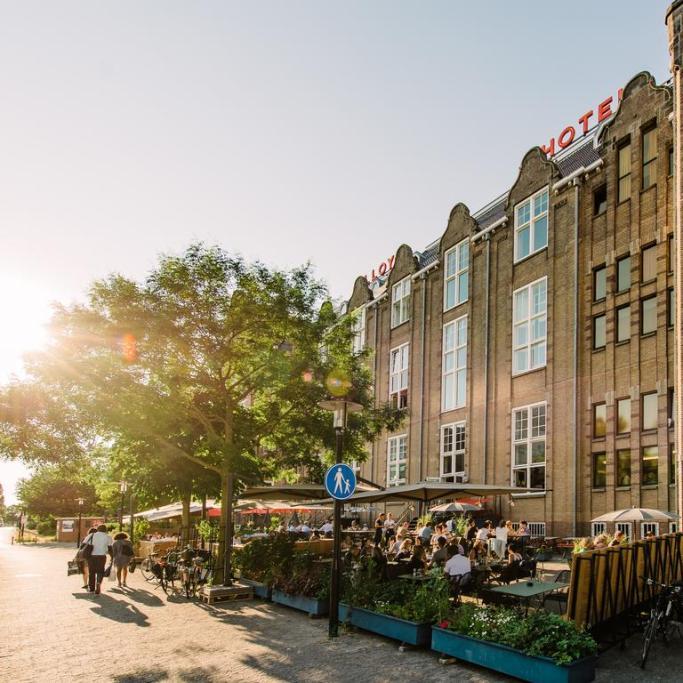 Bijzondere Overnachten Origineel Overnachten Slapen in voormalig scheepshoofdkantoor Lloyd Hotel Amsterdam2