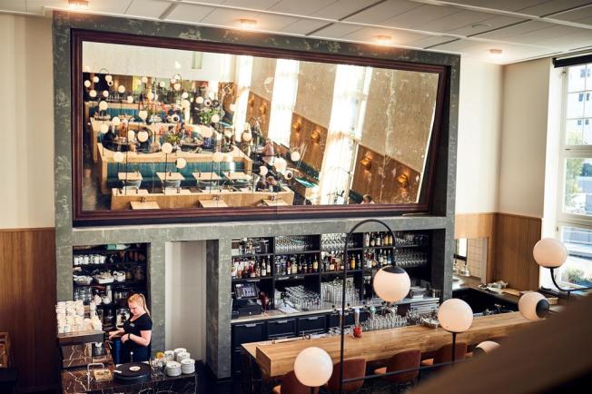Bijzondere Overnachten Origineel Overnachten Slapen in voormalig scheepshoofdkantoor Lloyd Hotel Amsterdam7