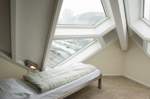 Bijzondere overnachting Origineel Overnachten Slapen in een kubuswoning in Rotterdam 3