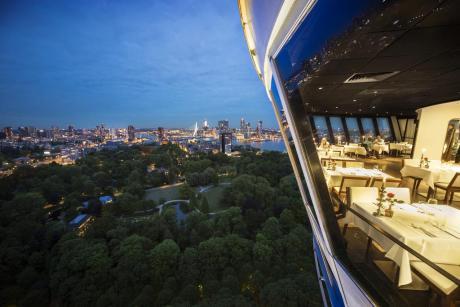 Romantisch overnachten in de Euromast te Rotterdam