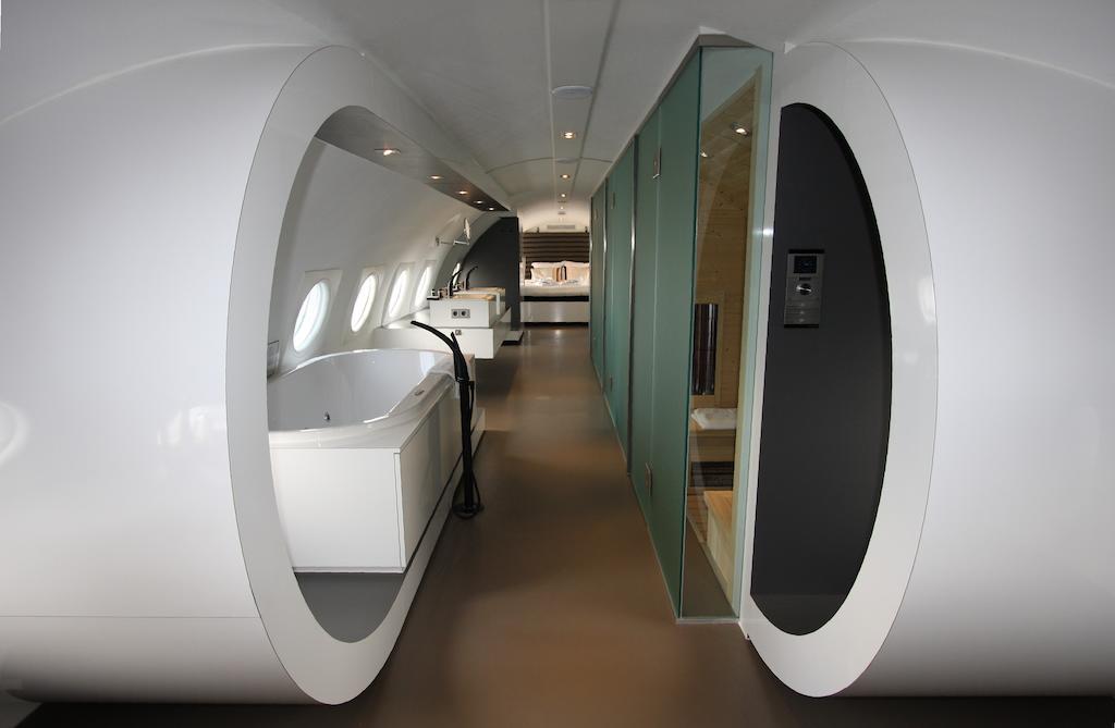 Bijzondere Overnachting Origineel Overnachten Slapen in een vliegtuigsuite op vliegveld Teuge5