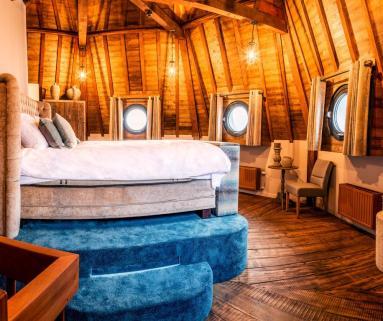 Bijzondere Overnachting Origineel Overnachten Slapen in de Gevangenispoort Suite in Vlissingen 4