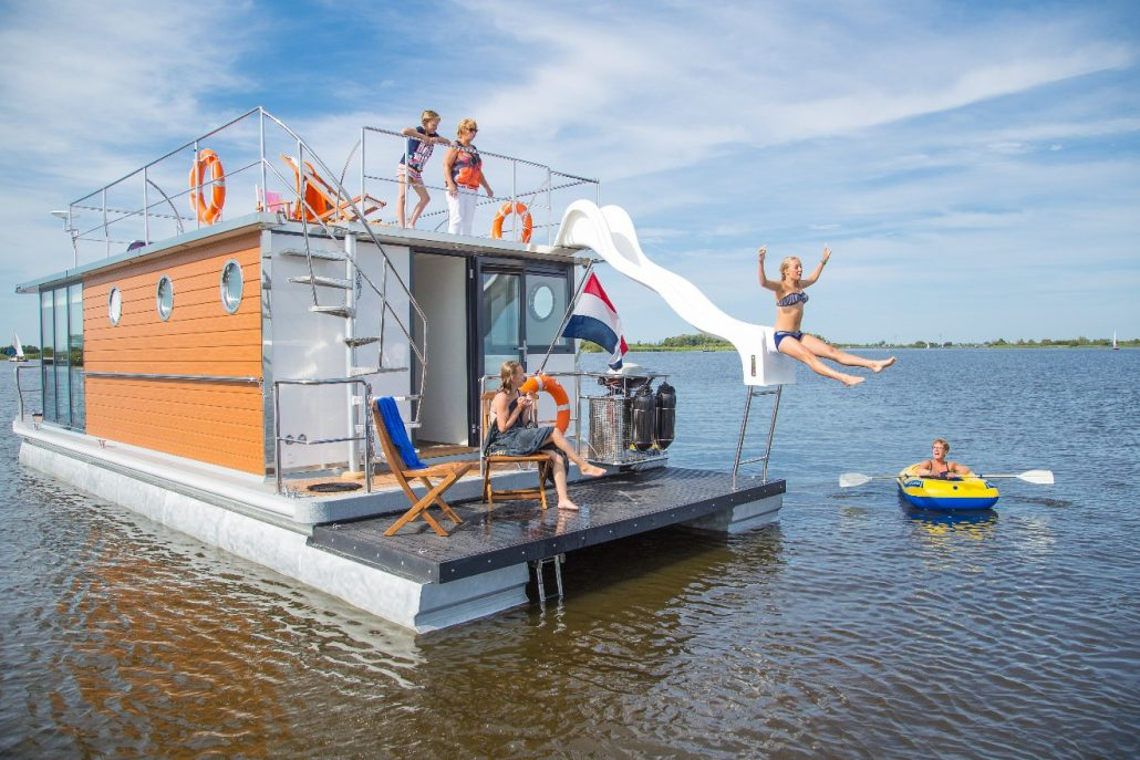 Huisboot in het Friese Warns