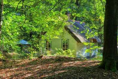 Origineel overnachten in een Hans en Grietje huisje 3