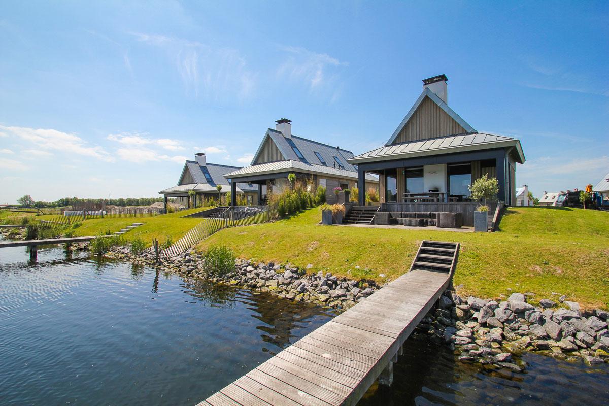 Slapen in Piet Boon watervilla Oesterdam in Tholen Zeeland 1