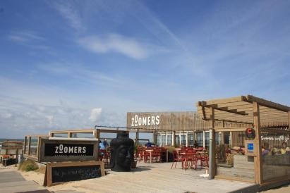 Strandhotel Zoomers Castricum met uitzicht op strand en zee 18