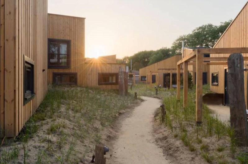 Bijzondere Overnachting Slapen op het strand in een strandhuisje noordzee resort vlissingen-beachhouses-12