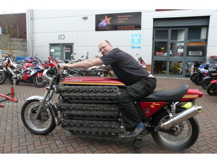 moto kawasaki 48 cylinder