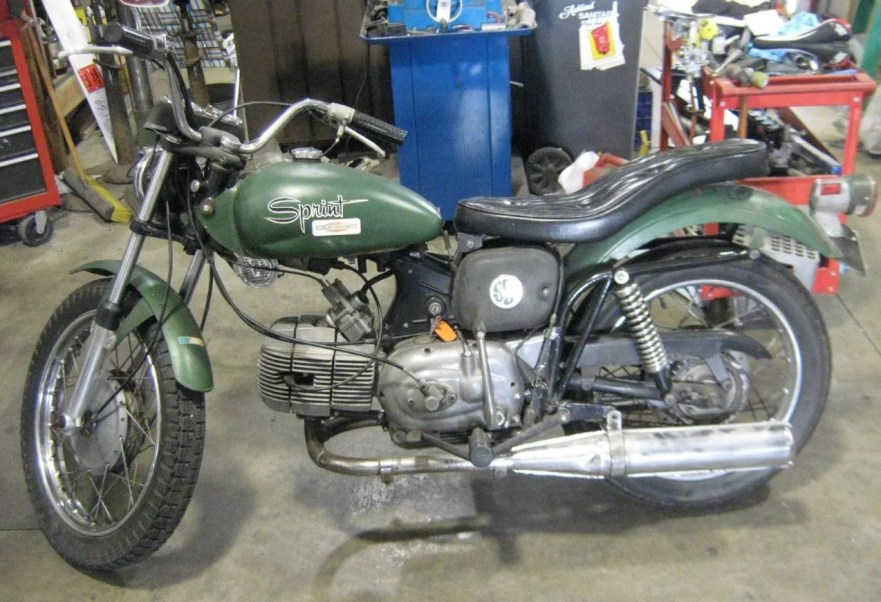 Aermacchi Harley-Davidson Sprint 350 - Left Side Original