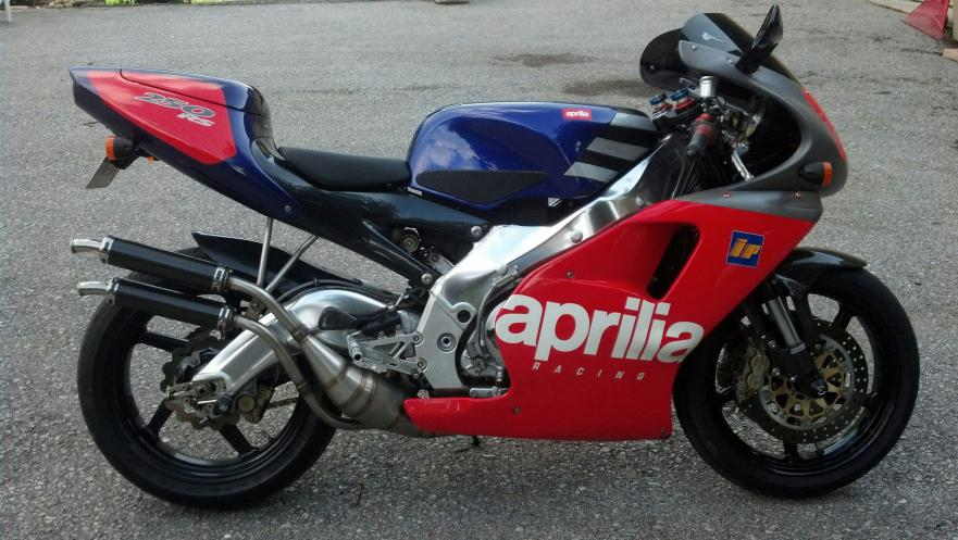 1 of 500 1995 aprilia rs250 loris reggiani replica. Black Bedroom Furniture Sets. Home Design Ideas