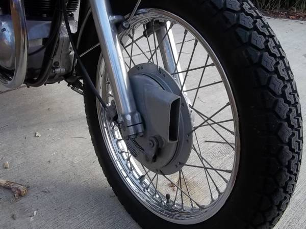 BSA Thunderbolt - Drum Brake