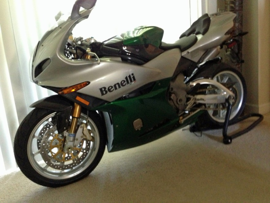 Benelli Tornado Tre 900 Limited Edition - Left Side