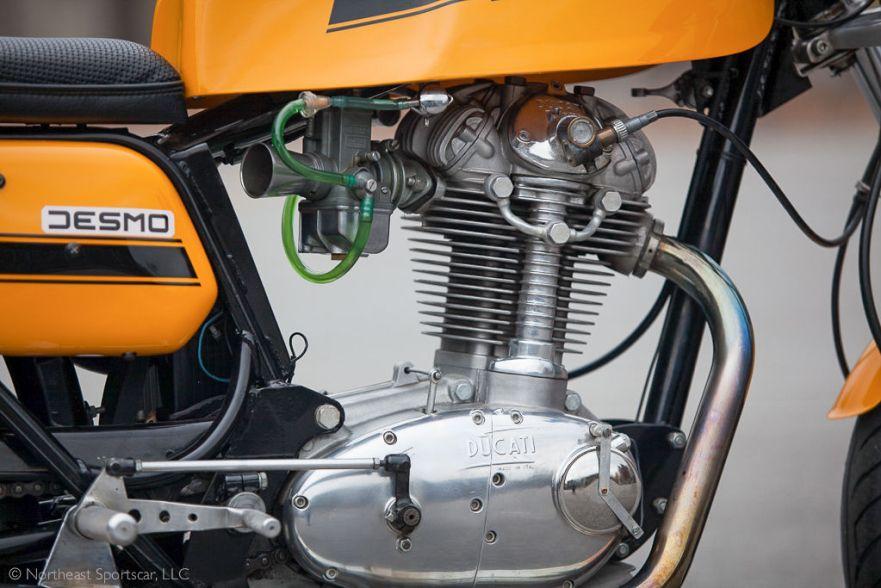 Ducati 450 Desmo - Engine
