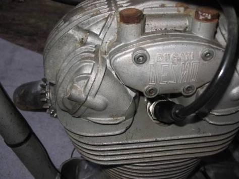 Ducati 450 RT Desmo - Engine