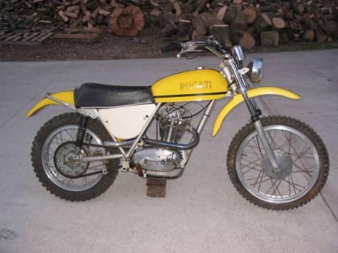 Ducati 450 RT Desmo - Right Side