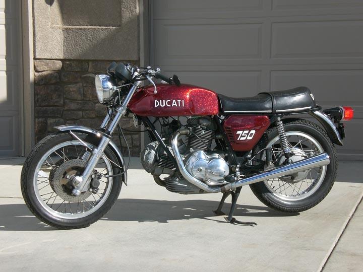 Ducati 750GT - Left Side