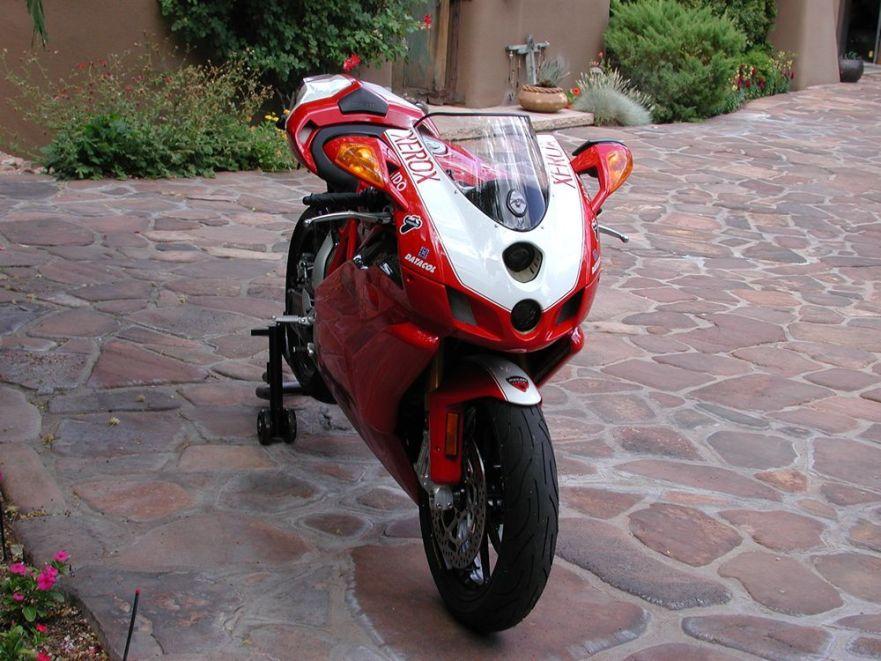 Ducati 999R - Front