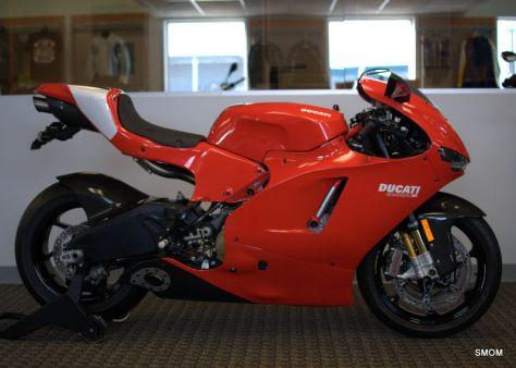 Ducati Desmosedici RR - Right Side