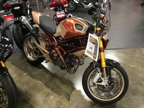 Ducati Monster 1100 S - Right Side