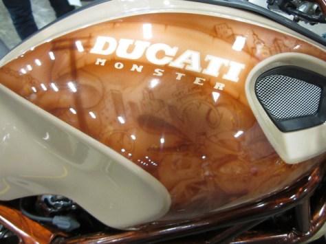 Ducati Monster 1100 S - Tank