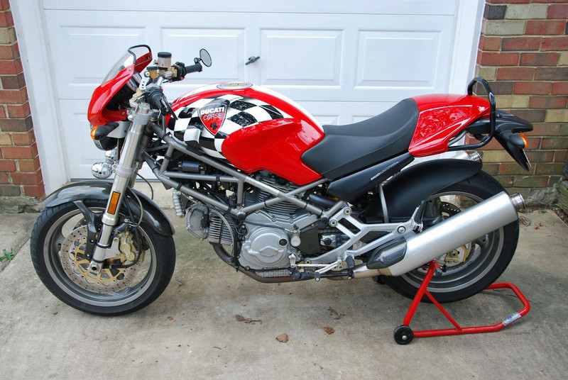 corse tank 2001 ducati monster 900 bike urious. Black Bedroom Furniture Sets. Home Design Ideas