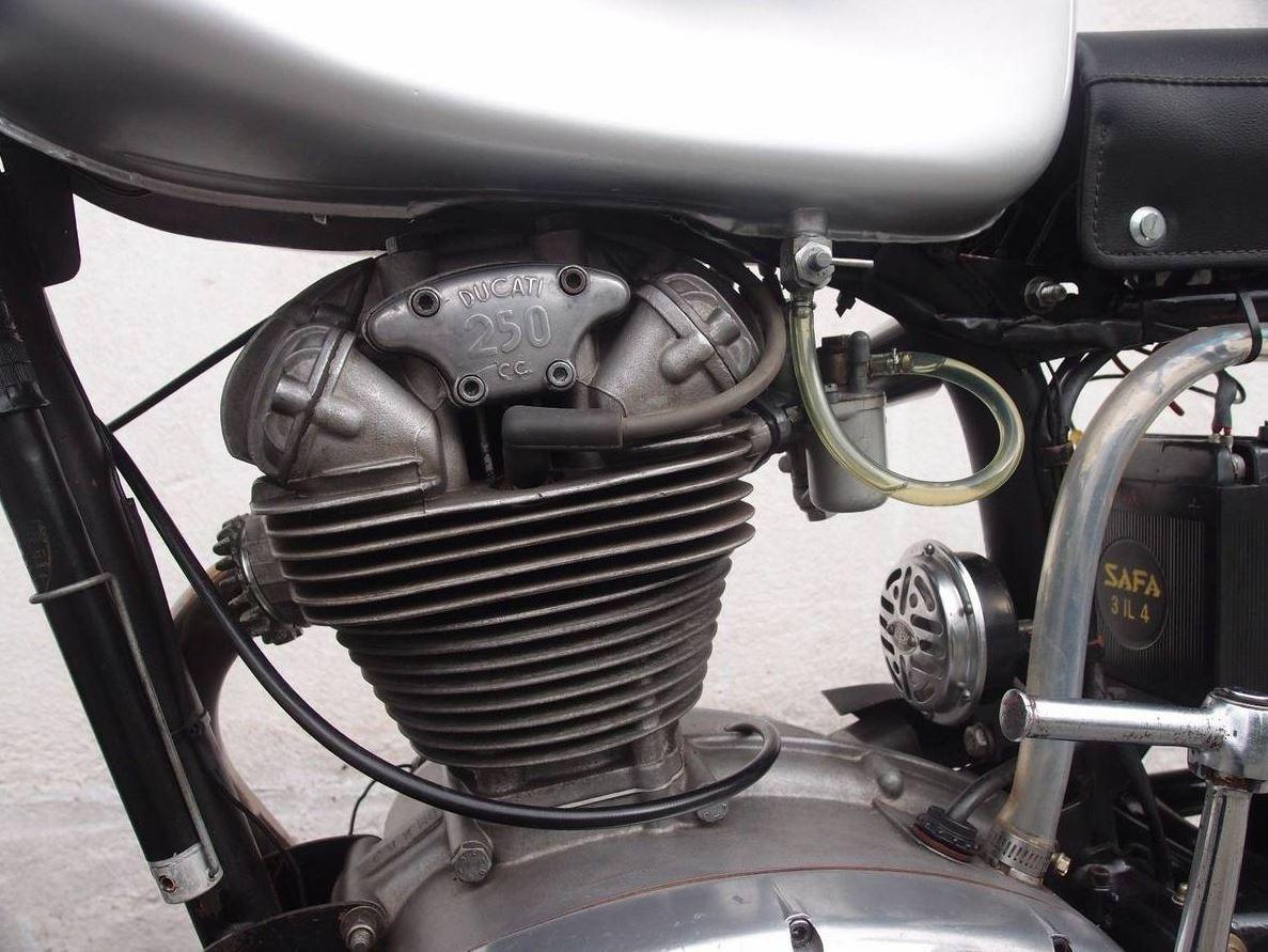 Ducati 350 Wiring Diagram Library 748 Narrow Case Duck 1967 Monza 250 Bike Urious Single