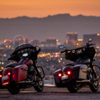2019 Harley-Davidson Street Glide Special vs 2019 Indian Chieftain Dark Horse