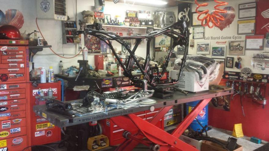 Honda CB1100F - Frame