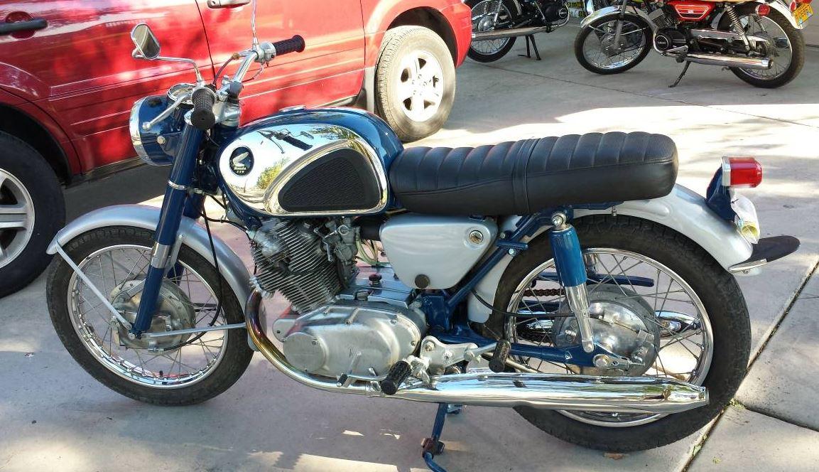Rare In The Wild 1962 Honda Cb72 Hawk 250 Bike Urious
