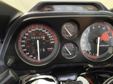 Honda CBR1000F Hurricane - Gauges