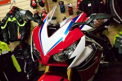 Honda CBR1000RR SP - Front