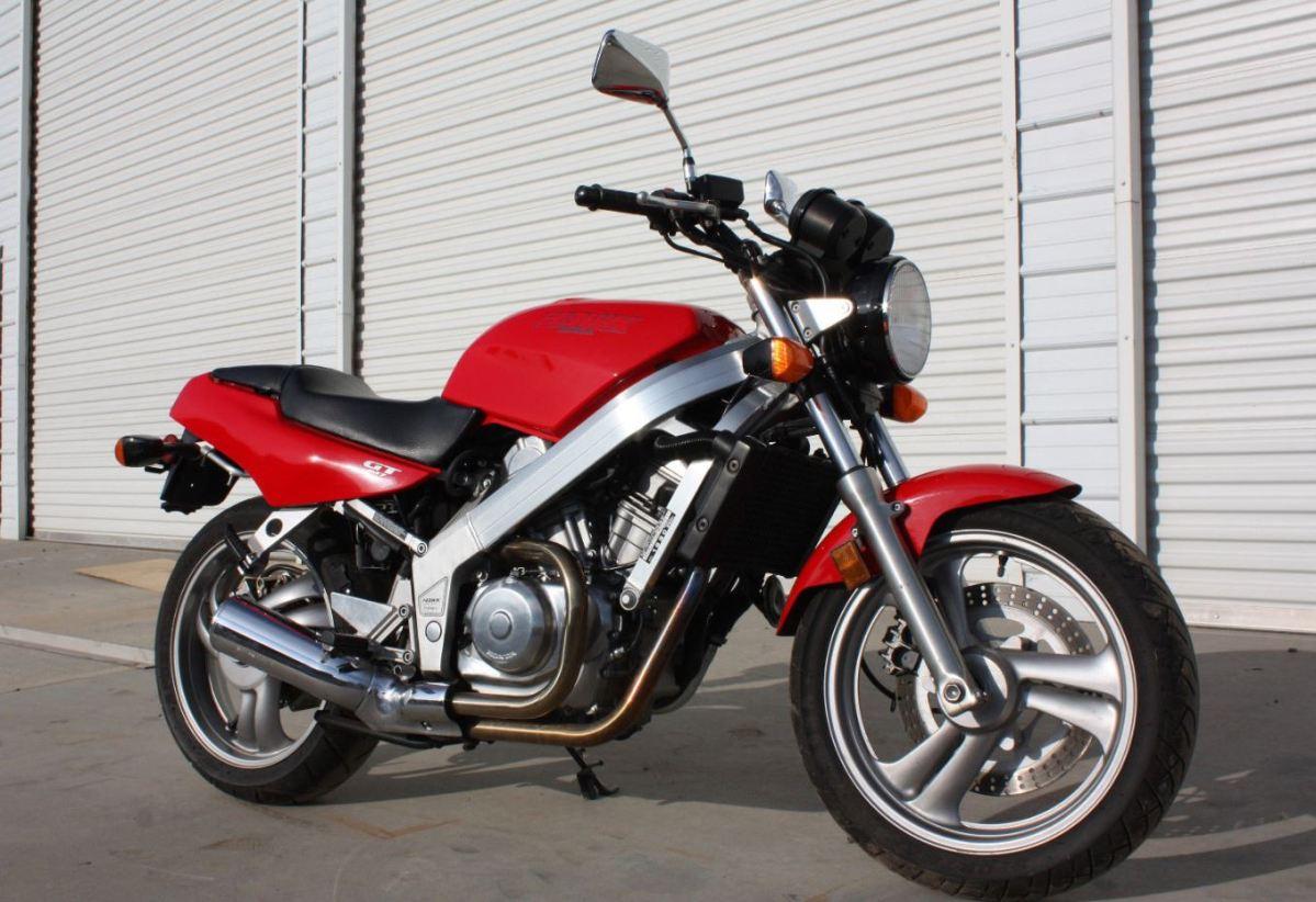 5,000 Miles - 1990 Honda Hawk NT650