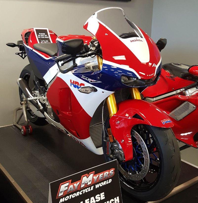 Street Legal MotoGP Replica - 2016 Honda RC213V-S - Bike