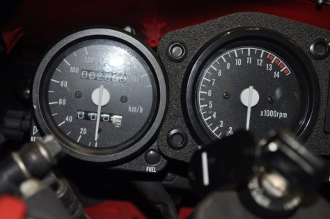 Honda RVF750 - Gauges