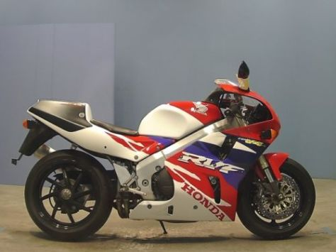 Honda RVF750 - Right Side