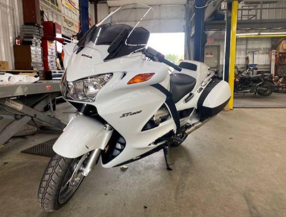 Still New Police – 2017 Honda ST1300PA