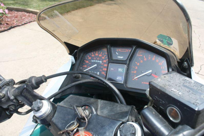 Honda VTR250 - Gauges