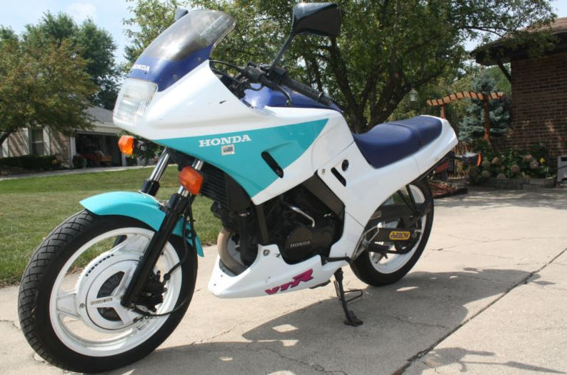 Honda VTR250 - Left Side