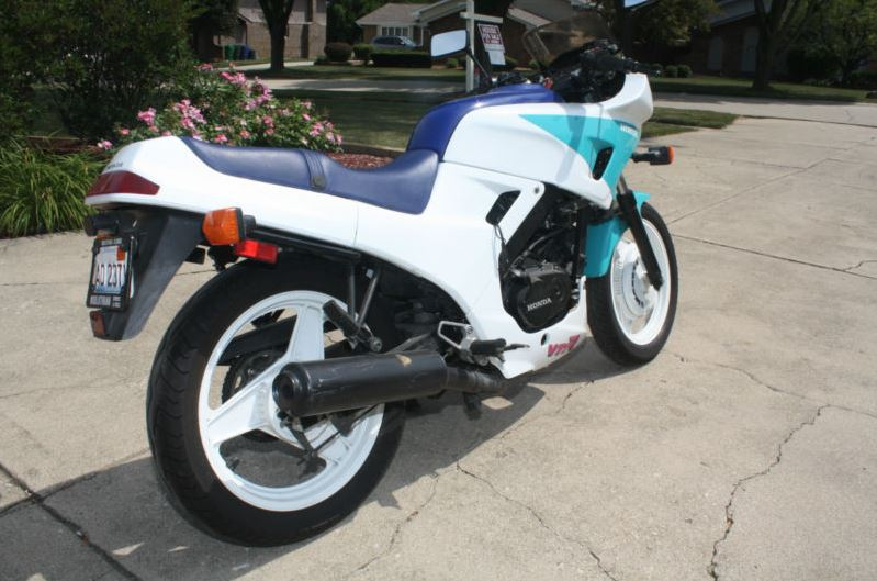 Honda VTR250 - Right Side