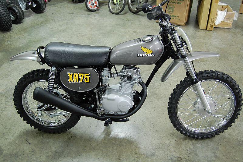 from http://www.vintagefactory.com/1974_honda_xr75%20Resto.htm