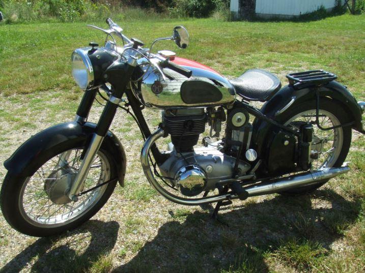 Horex Regina 250 - Left Side