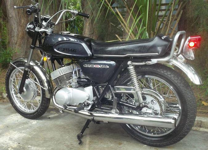 Kawasaki H1 500 - Left Side