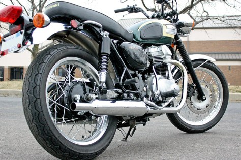 Kawasaki W650 - Right Rear