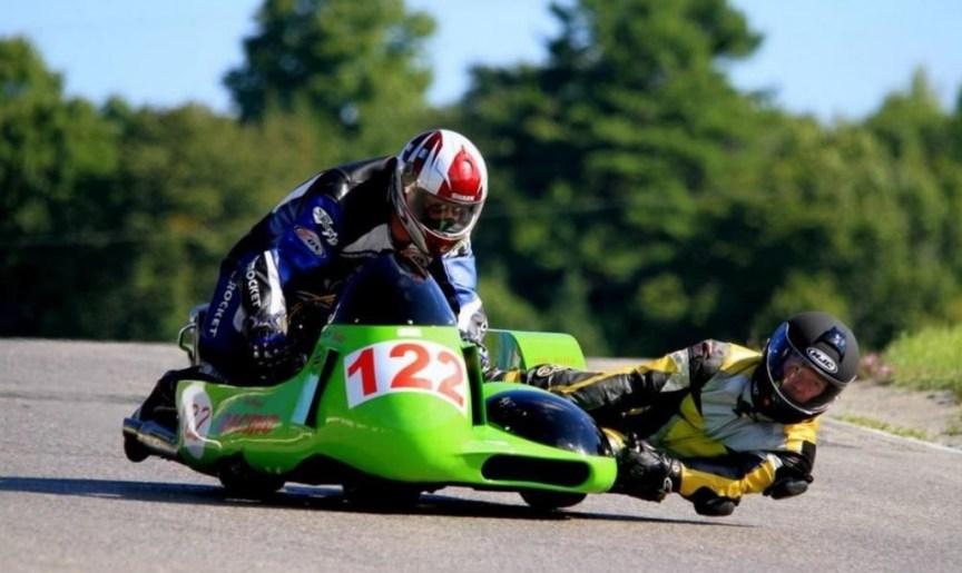 Kawasaki Z1 Sidecar Racer - On Track