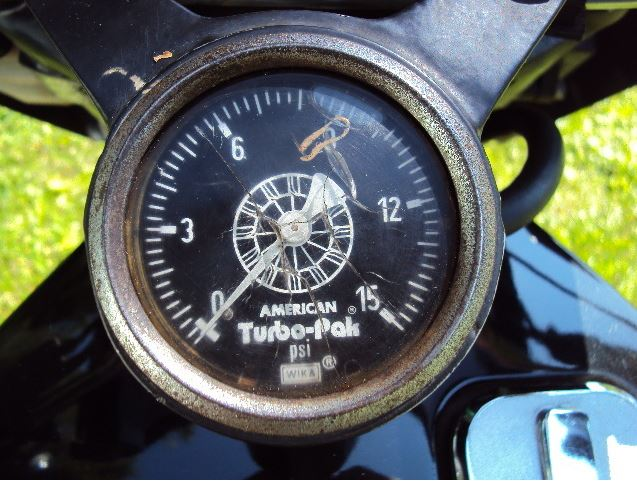 Kawasaki Z1RTC - Boost Gauge