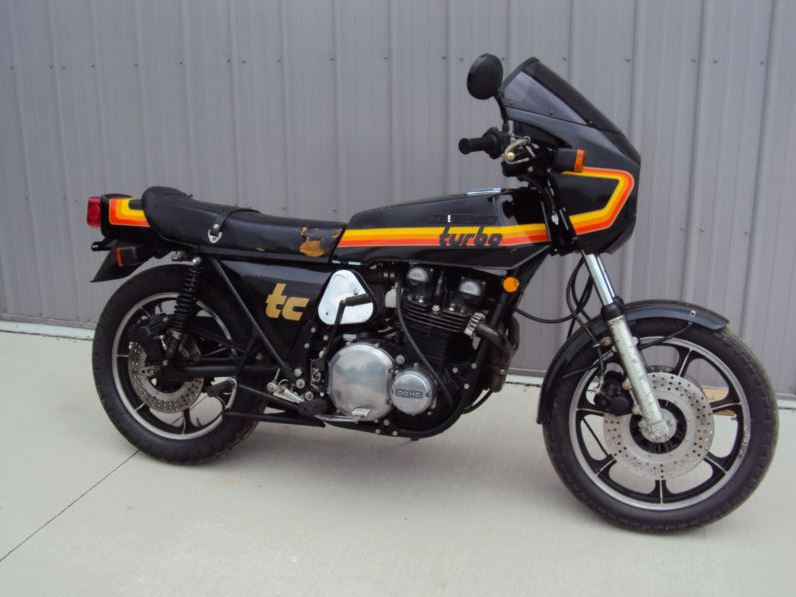 Kawasaki Z1RTC - Right Side