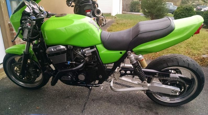 Kawasaki ZRX1100 - Left Side