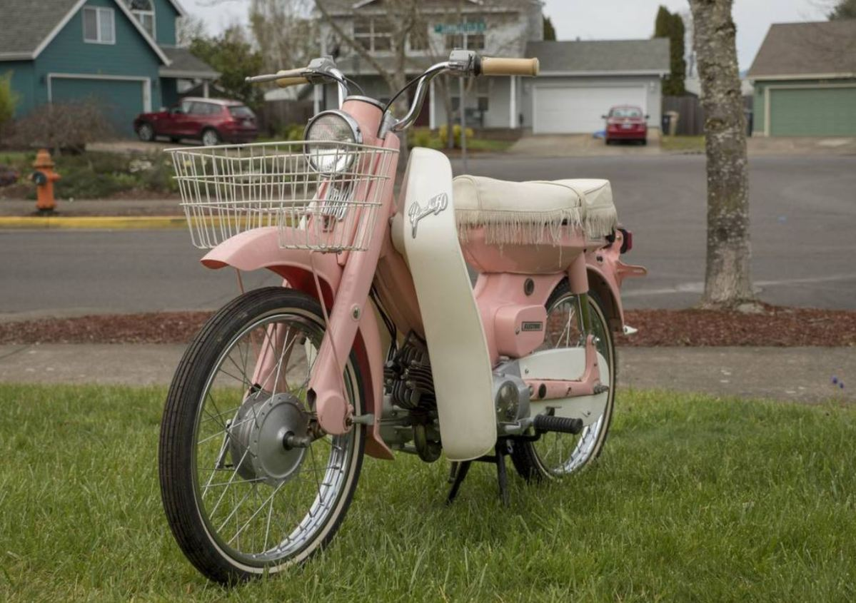 Pretty in Pink - 1966 Lady Yamaha U5E Newport